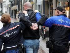 Meer blauw op straat in Arnhems stadshart voor geweldstraining