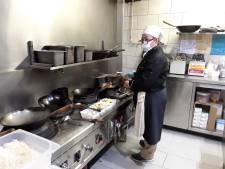 Thais restaurant uit Lochristi brengt gratis maaltijden rond voor alle woonzorgcentra in de buurt
