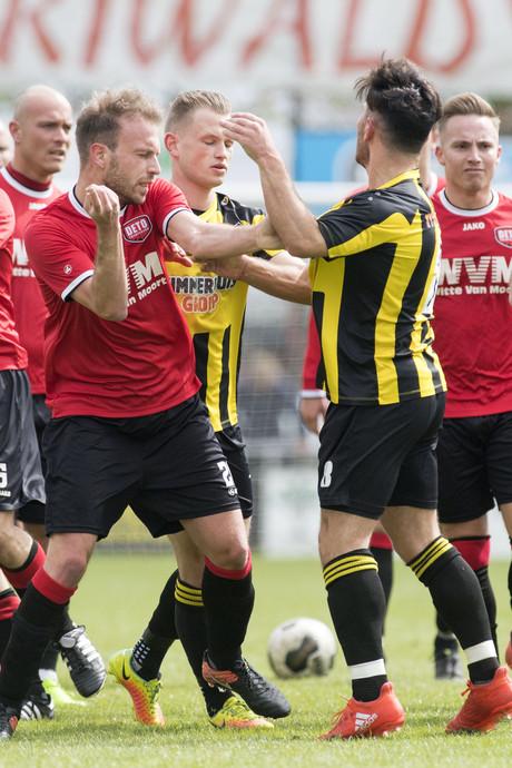 DOS'37 wint Vriezenveense derby van DETO: 3-2