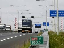 Twee ongelukken A29 Willemstad: trucker loopt snijwond en hersenschudding op