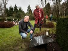 Vergeten monument op plek vergeten graf vuurwerkramp: 'Blijvende herinnering'