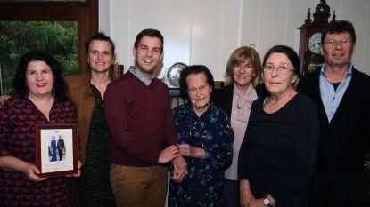 """Joanna viert 100ste verjaardag: """"En ik bak nog altijd mijn eigen brood hé"""""""