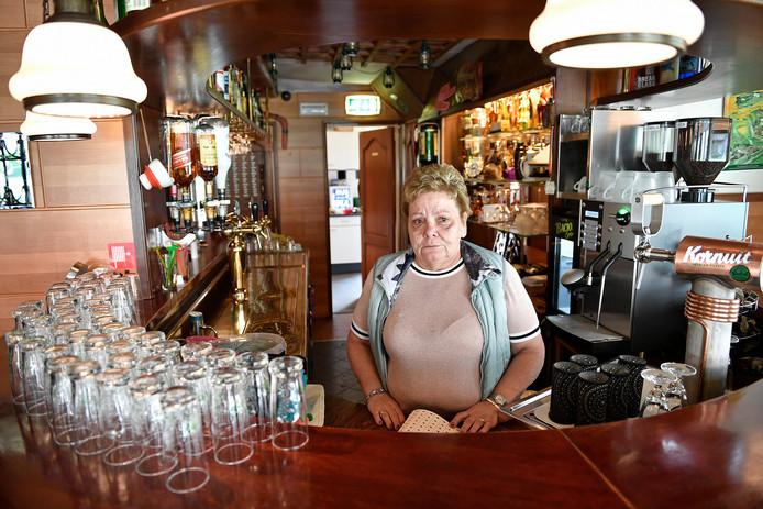 Willy Leenders in café Heideroosje.