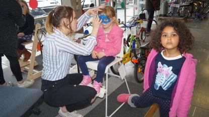 Kinderen kapen Kringwinkel