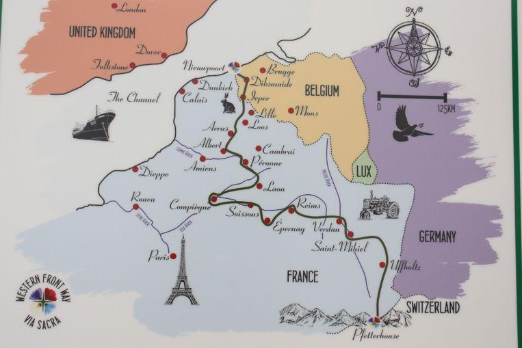 Op dit kaartje toont de groene lijn waar de wandelroute The Western Front Way passeert over een traject van 1000 kilometer.