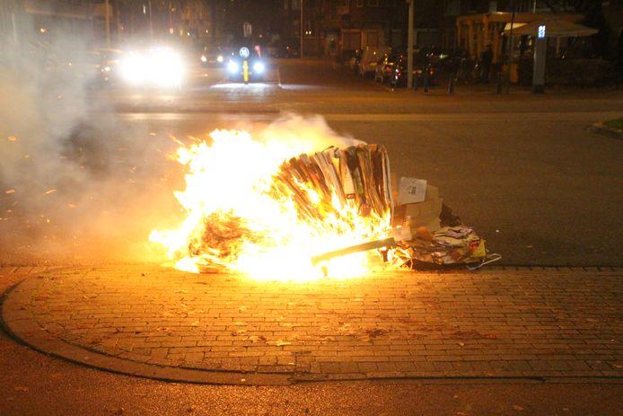 Onrust in Haagse wijk Leyenburg, brandweer moet meerdere keren uitrukken om brandjes te blussen