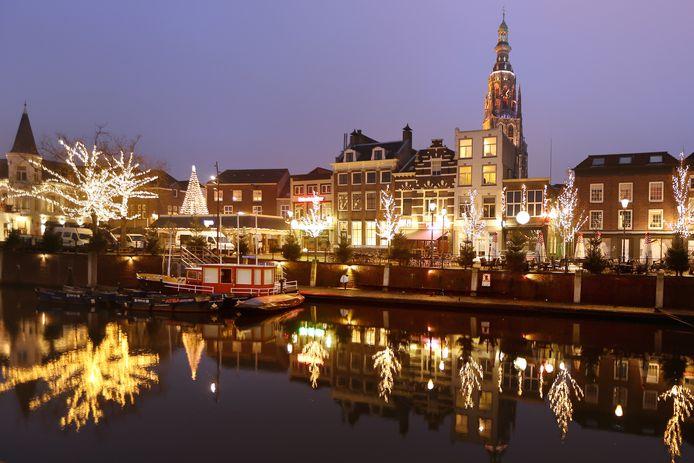 Sfeerverlichting bij de Haven van Breda tijdens de feestdagen.