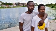 """""""Hier is mijn grote broer gisteren verdronken, verstrikt in de waterplanten"""": familie Norbert (21) staart verslagen over kanaal Bossuit-Kortrijk"""