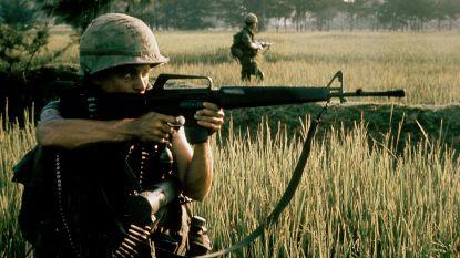 Legerfotograaf was getuige van de slachting op een Vietnamees dorpje. Hij sloot vriendschap met een van de weinige overlevenden