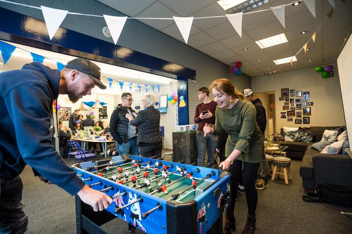 De vestiging van Jimmy's in Neede werd gisteren geopend en het was meteen gezellig druk.