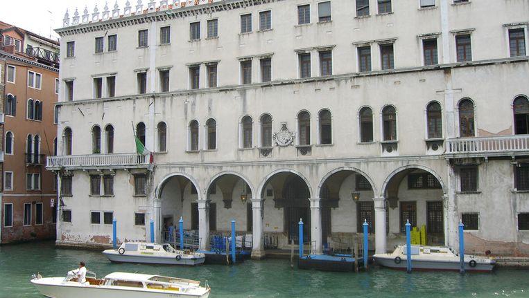 Het Fondaco dei Tedeschi in Venetië. © Wikipedia Beeld