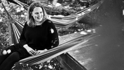 """Anderhalf jaar na dood van grote liefde Stijn werkt Hannelore Bedert aan comeback: """"Ik dacht dat ik nooit nog muziek zou maken. Het ging niet meer"""""""