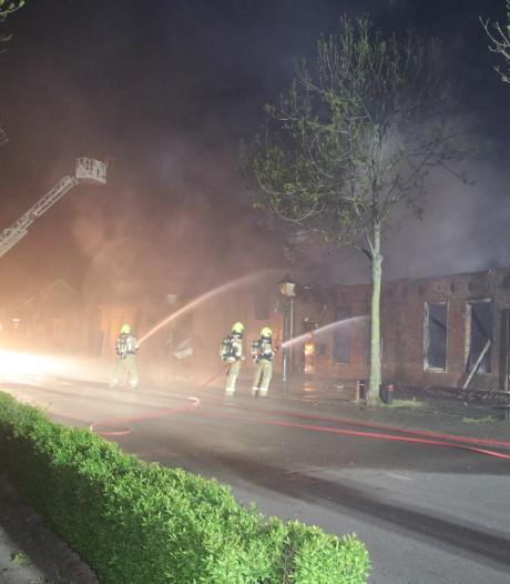 Felle brand verwoest schuur in Bruinisse