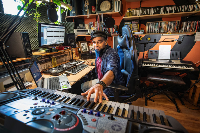 Nijmegen/Nederland:muzikant Ahsan Torabi Dgfotofoto: Bert Beelen