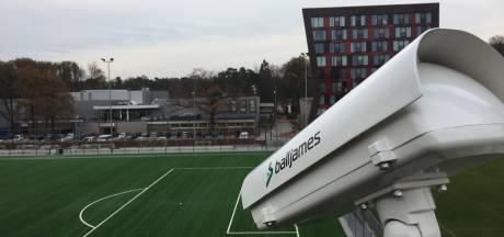 Universiteit Twente maakt scan van wedstrijd om voetballers te leren samenwerken