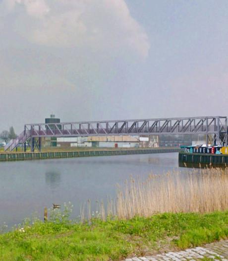 Brug in Belcrumhaven verbindt Pier 15 met BRACK