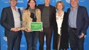 Schepen Ampoorter neemt afscheid van bevoegdheid sport met knappe award