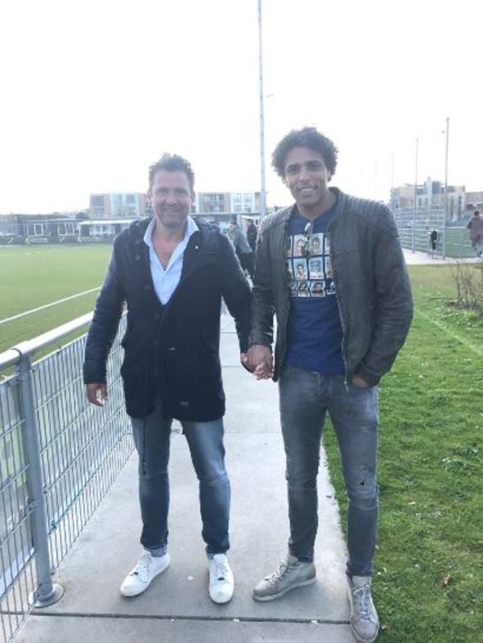 Pierre van Hooijdonk met goede vriend Ab Troost.