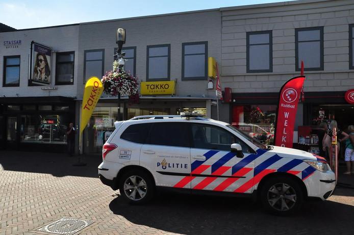 De overval is gepleegd bij de winkel Takko in Waalwijk.