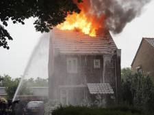 Blikseminslag veroorzaakt brand in een huis in Cuijk
