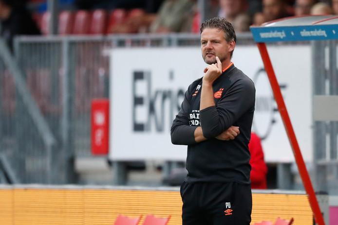 Peter Uneken, trainer van Jong PSV.