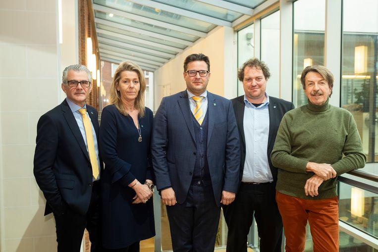 Robert Moens, Linda Verlinden, Kristof Bossuyt, Hans Ides en Werner Theuns.