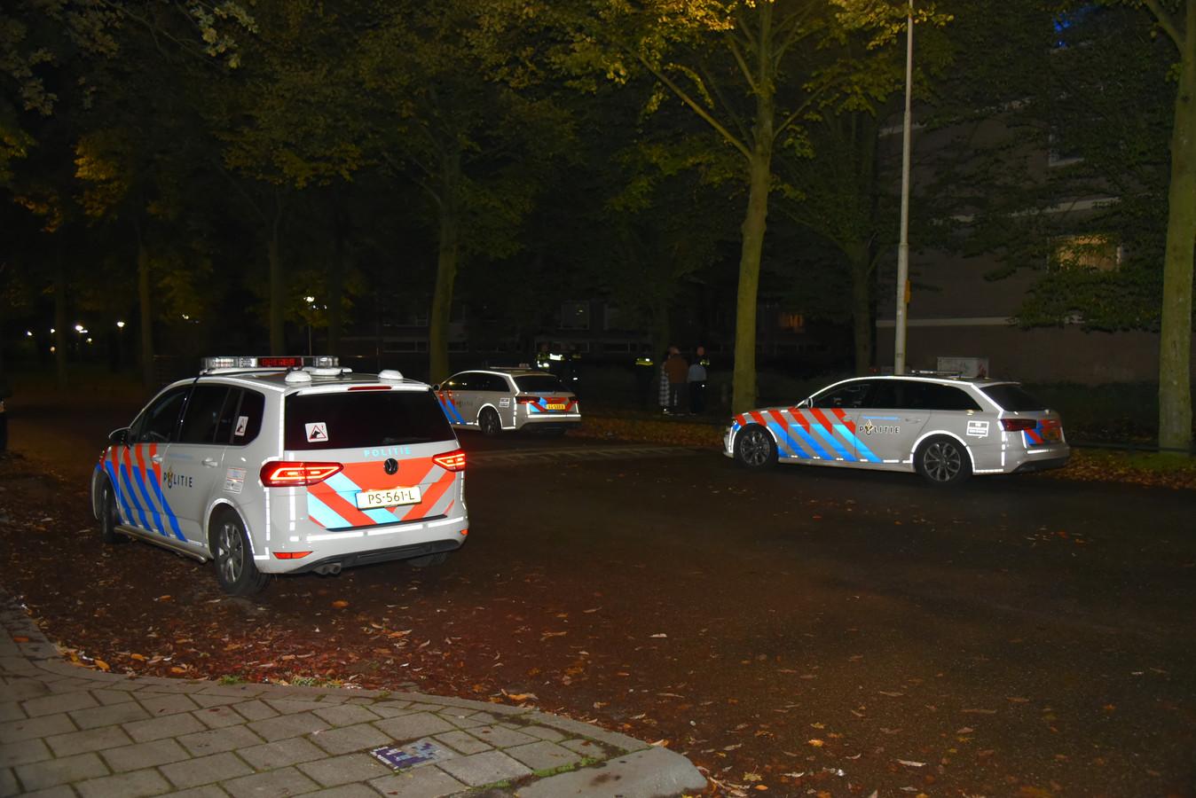 Er was veel politie aanwezig tijdens de zoekactie.