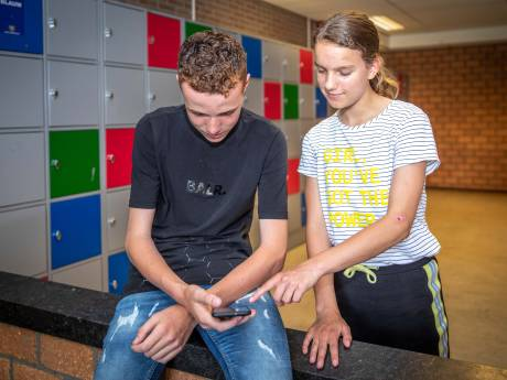 Calvijn College bant smartphone: 'Vernietigende invloed op moraal en zeden'