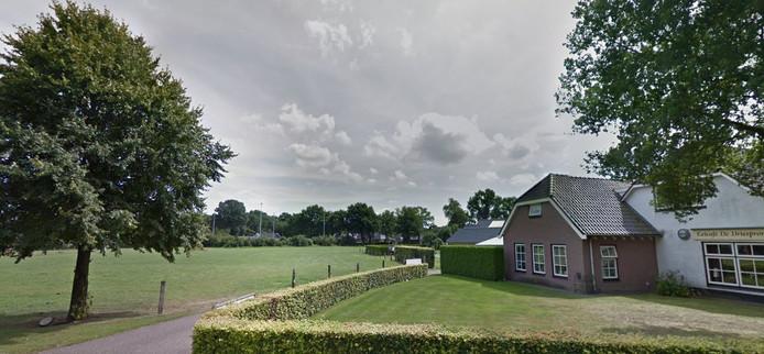 Bouwen voor starters uit Lemele. LemeleWoont werkt aan een plan voor woningen op de dorpsweide aan de Lemelerweg.