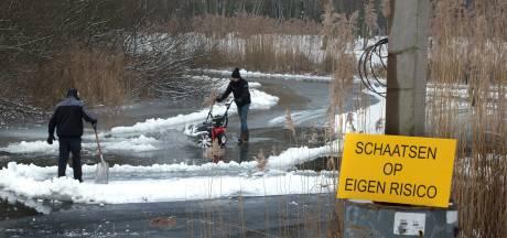Sneeuw verpest plezier op veel Achterhoekse ijsbanen, maar er kan geschaatst worden