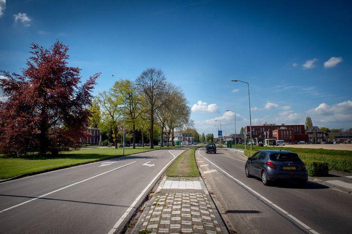 Een paar jaar geleden ging de Van Heemstraweg tussen de Wihelminalaan en begraafplaats Haaghove al op de schop.