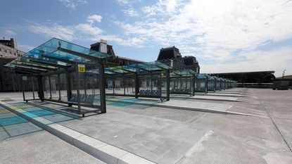 Bus stopt voortaan pal aan treinstation