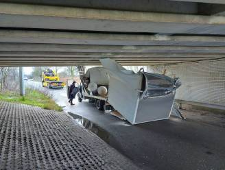 En opnieuw mispakt chauffeur zich aan hoogte van beruchte brug