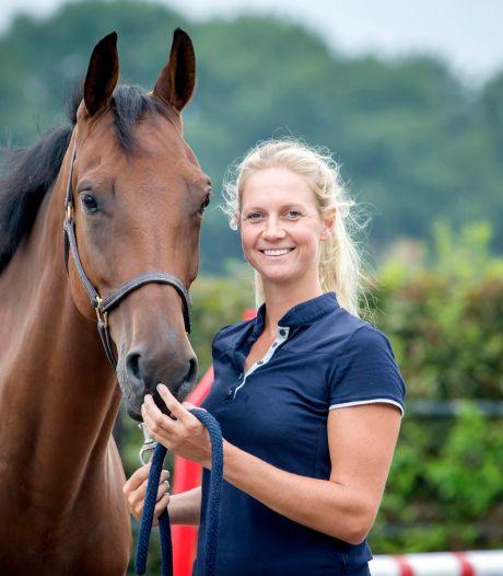 Renske Kroeze met tien paarden op pad in Bavel: 'Daar kan ik me mooi een dagje vermaken'