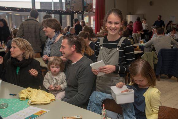 Benefiet Lentefeest : de leerlingen steken zelf handen uit de mouwen voor het goeie doel.