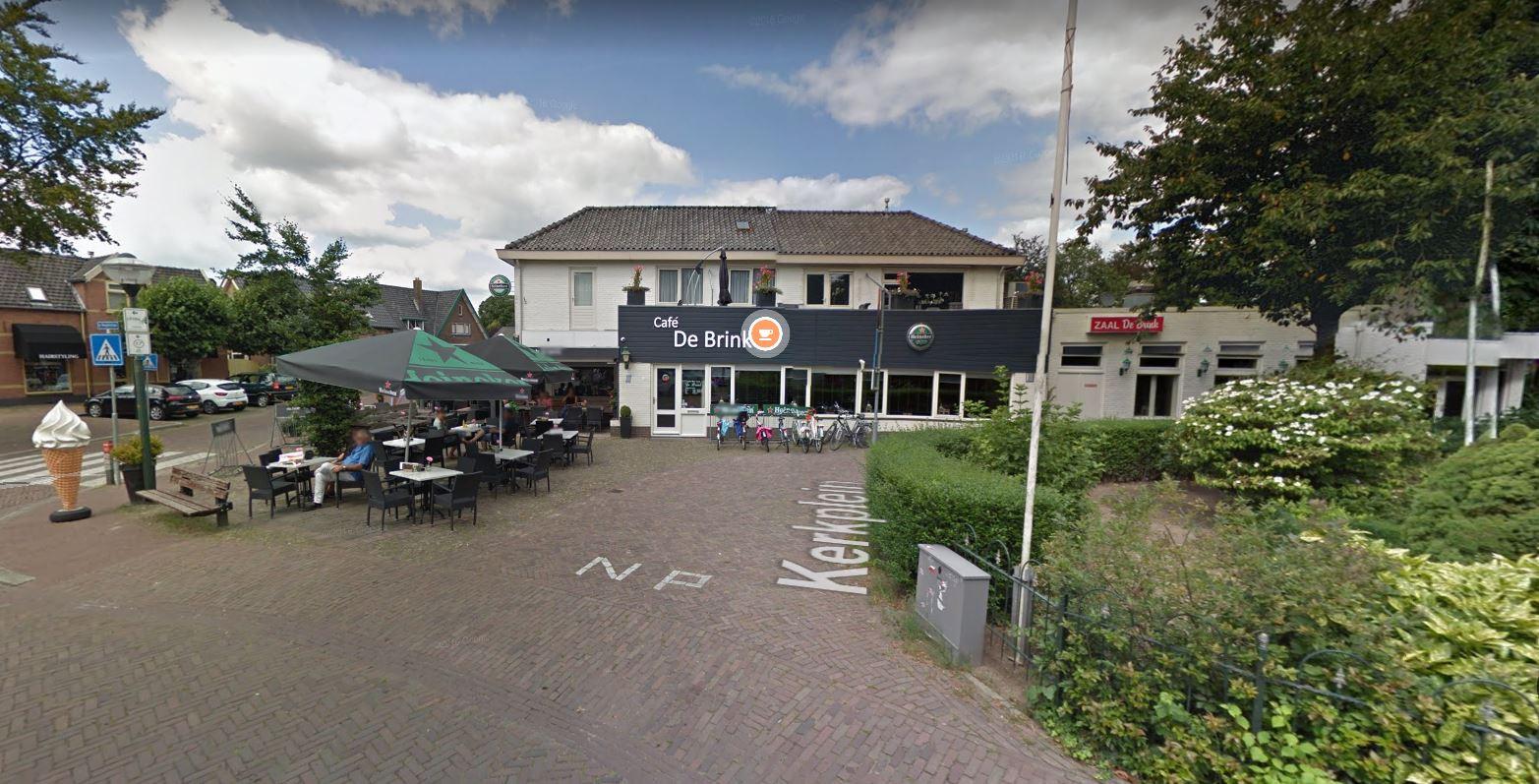 Café De Brink in Bathmen houdt dit weekeinde uit voorzorg de deuren gesloten vanwege coronabesmettingen in het dorp.