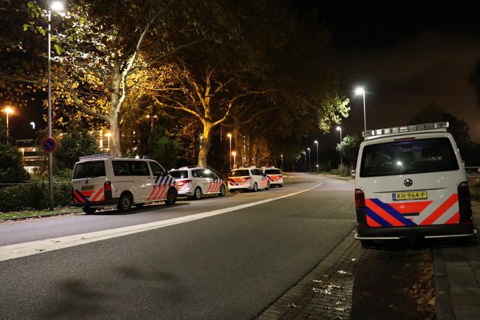 Een naakte man en vrouw zijn gisteravond gearresteerd bij Van der Valk Vianen