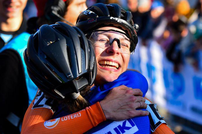 Kastelijn is in extase na het pakken van de Europese titel vorig jaar in het Italiaanse Silvelle. Het betekende haar definitieve doorbraak in het veldrijden.