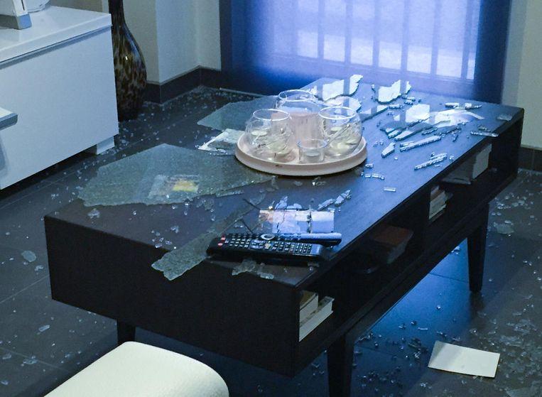 Glazen Tafel Ikea : Spontane ontploffing glazen tafel zottegem regio hln