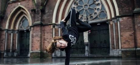Jasmijn Ras danst voor 12.000 toeschouwers op WK breakdance