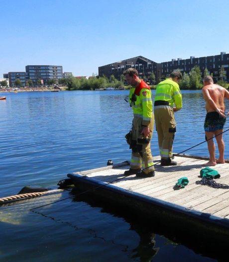 Enorme pech bij eerste dag varen op nét nieuwe boot: zinkt in Groote Wielenplas Rosmalen