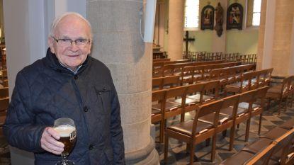Vorige week deed priester Gust (82) nog de mis op lokale radio, zaterdag is hij overleden aan corona