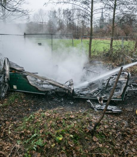 Caravan brandt volledig uit in Doesburg