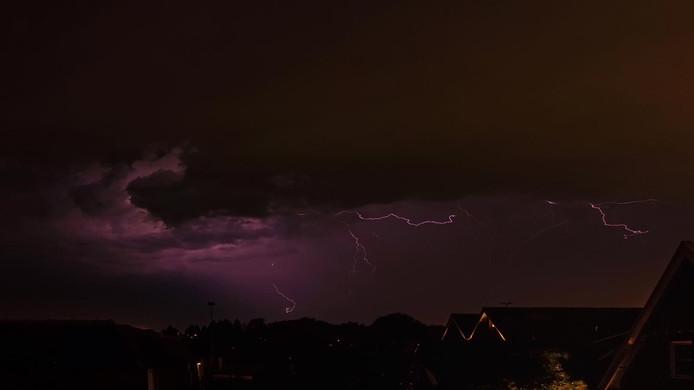 Onweer boven Zenderen, Overijssel.