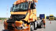 Trucker komt zonder kleerscheuren uit wrak