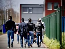 Kaartje pendelbus kost lastige asielzoekers vijf euro per retour