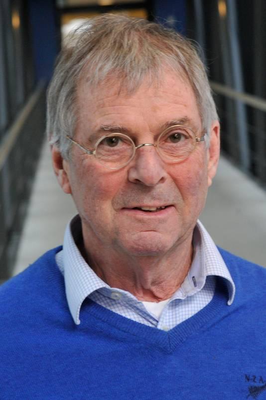 Ben van der Zeijst produceerde meer dan 200 wetenschappelijke artikelen en begeleidde 50 promovendi.