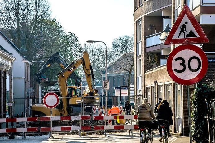 Werk aan de Sint Josephstraat. Foto Jan van Eijndhoven