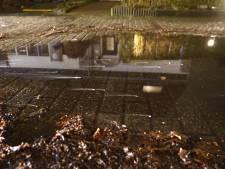 Brandweer rukt uit voor 'smoke on the water', maar 'eventuele ontsnapping van vloeistof' blijkt loos alarm in Deventer