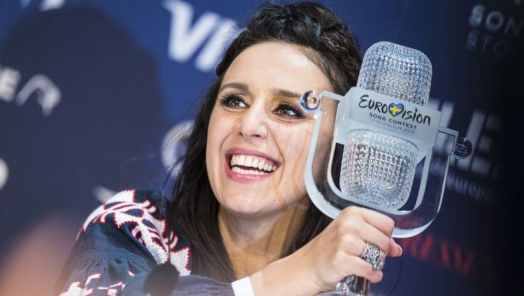 Winnares Jamala na afloop van het songfestival. Beeld Getty Images
